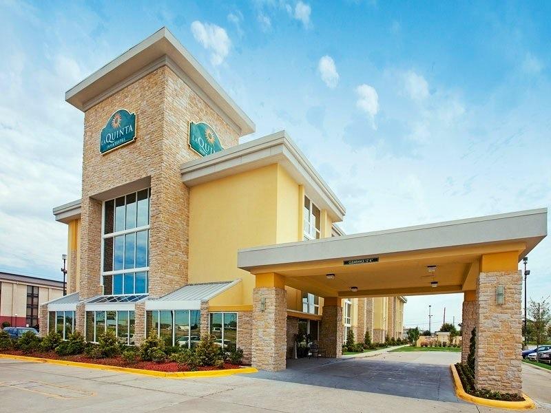 La Quinta Inn & Suites Dallas I35 Walnut Hill Lane in Far West Dallas