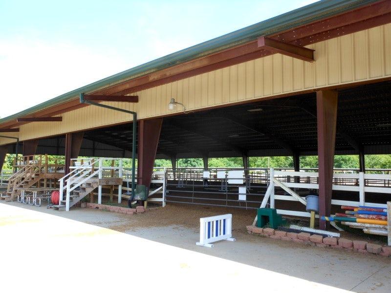 Dallas Equestrian Center in Northeast Dallas (Proper)
