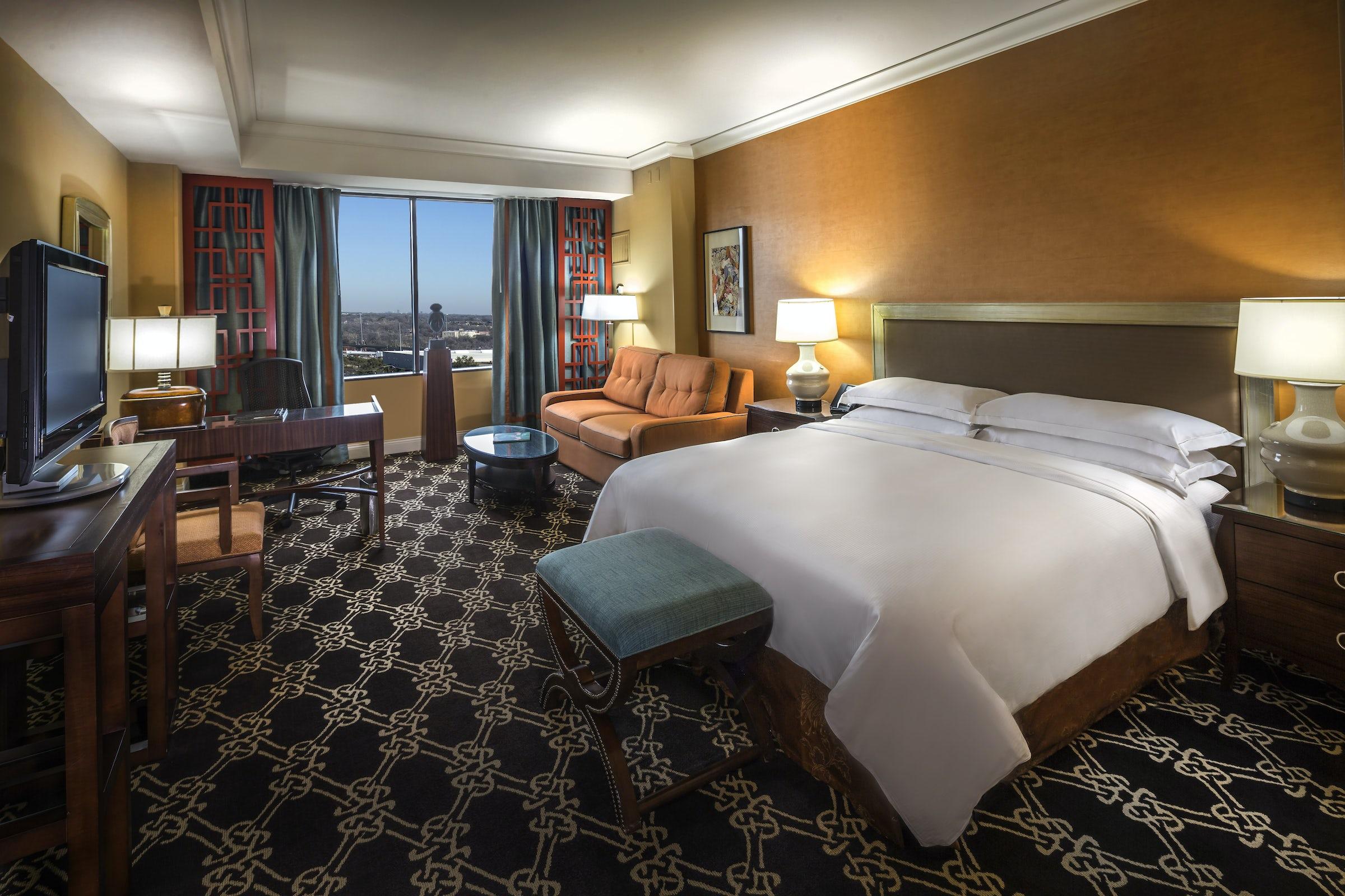 Hilton Anatole in Beyond Dallas