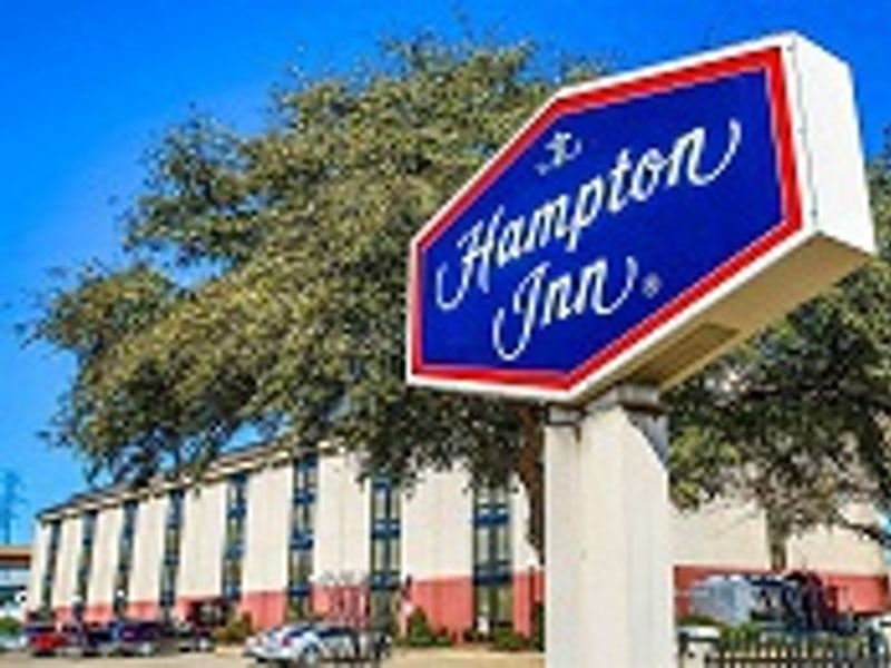Hampton Inn Dallas North I-35 at Walnut Hill in Far West Dallas