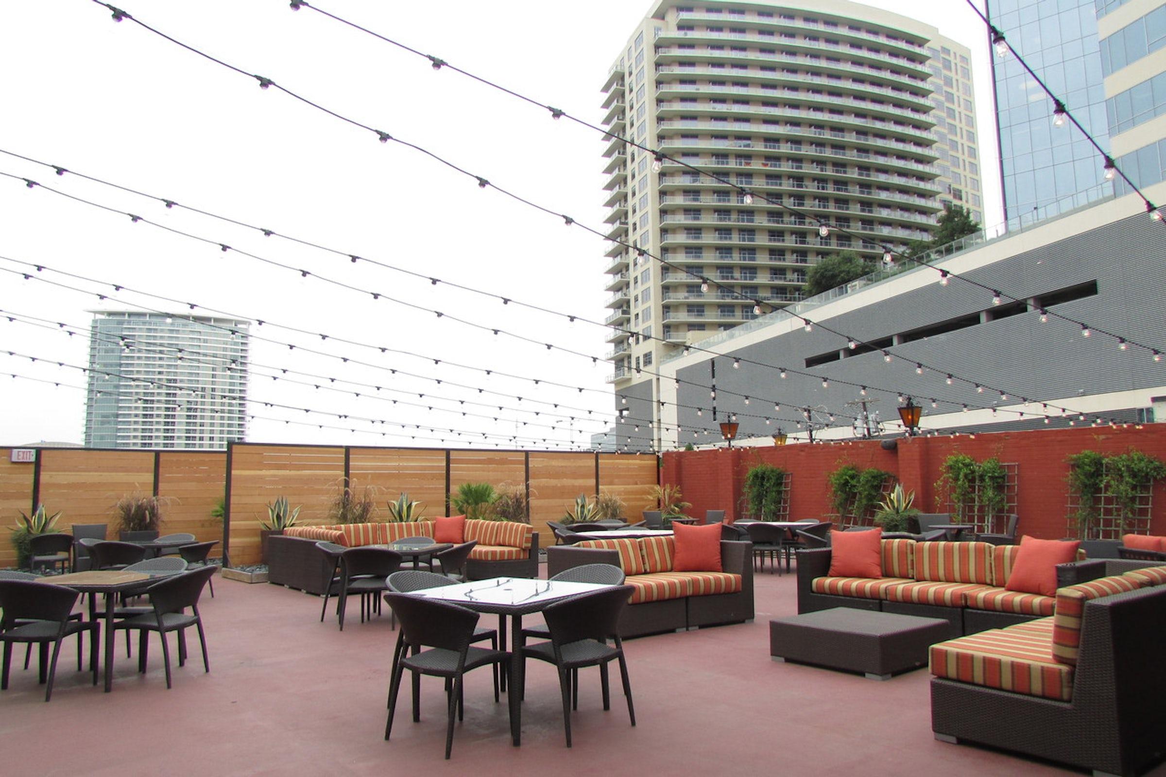 El Fenix - Downtown in Beyond Dallas
