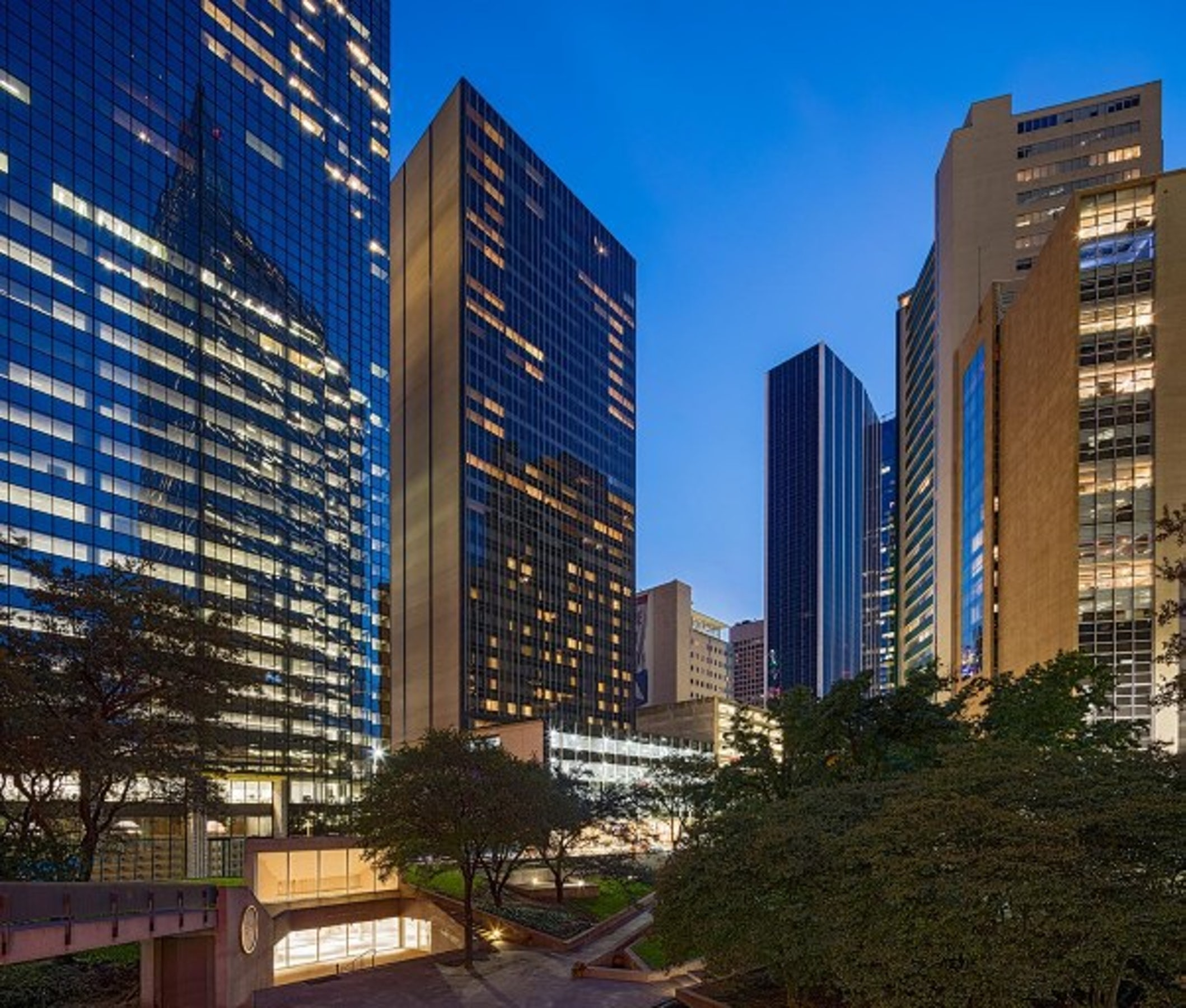 Hilton Garden Inn Downtown Dallas in Beyond Dallas