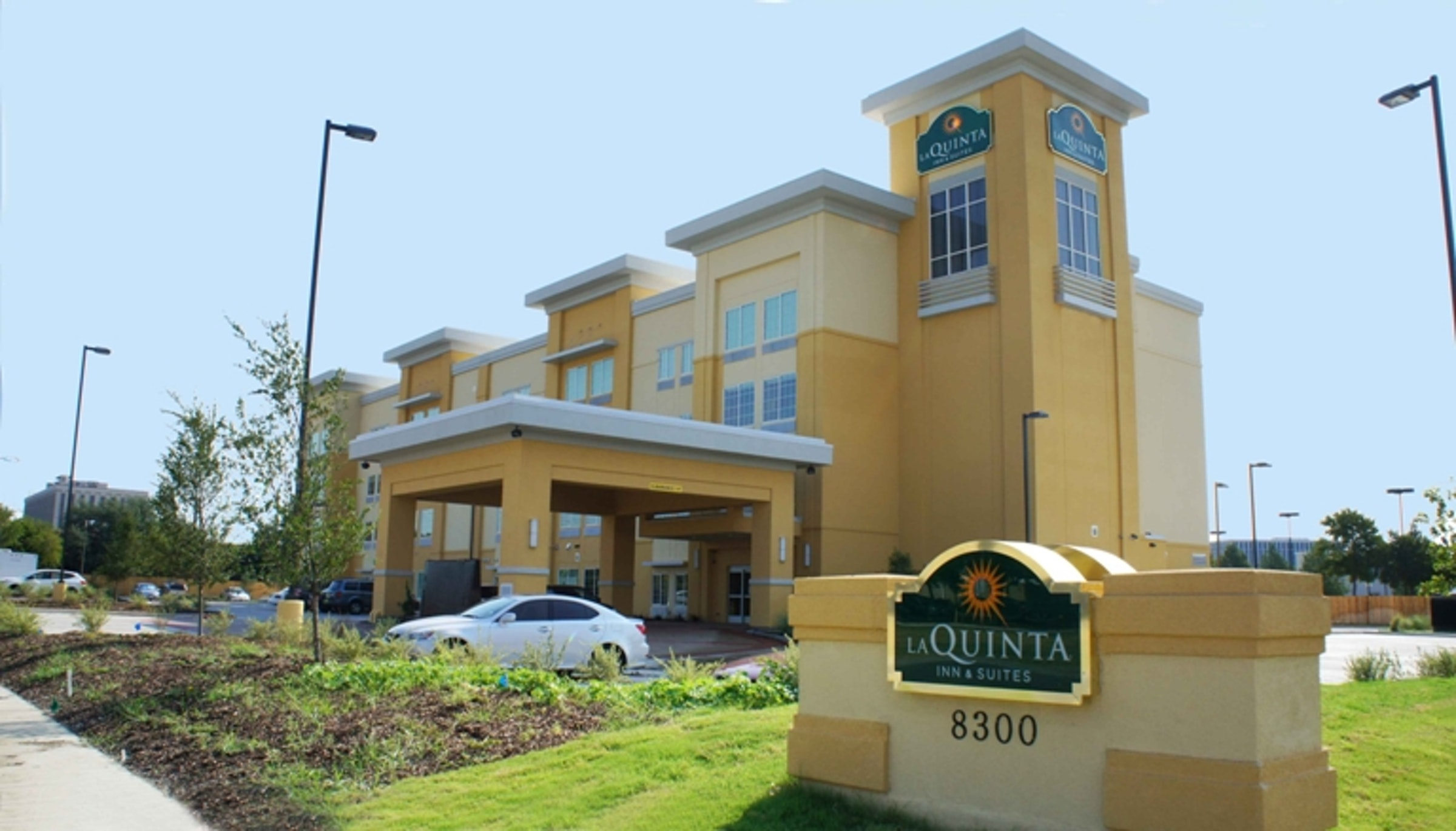 La Quinta Inn & Suites- Dallas Love Field in Beyond Dallas