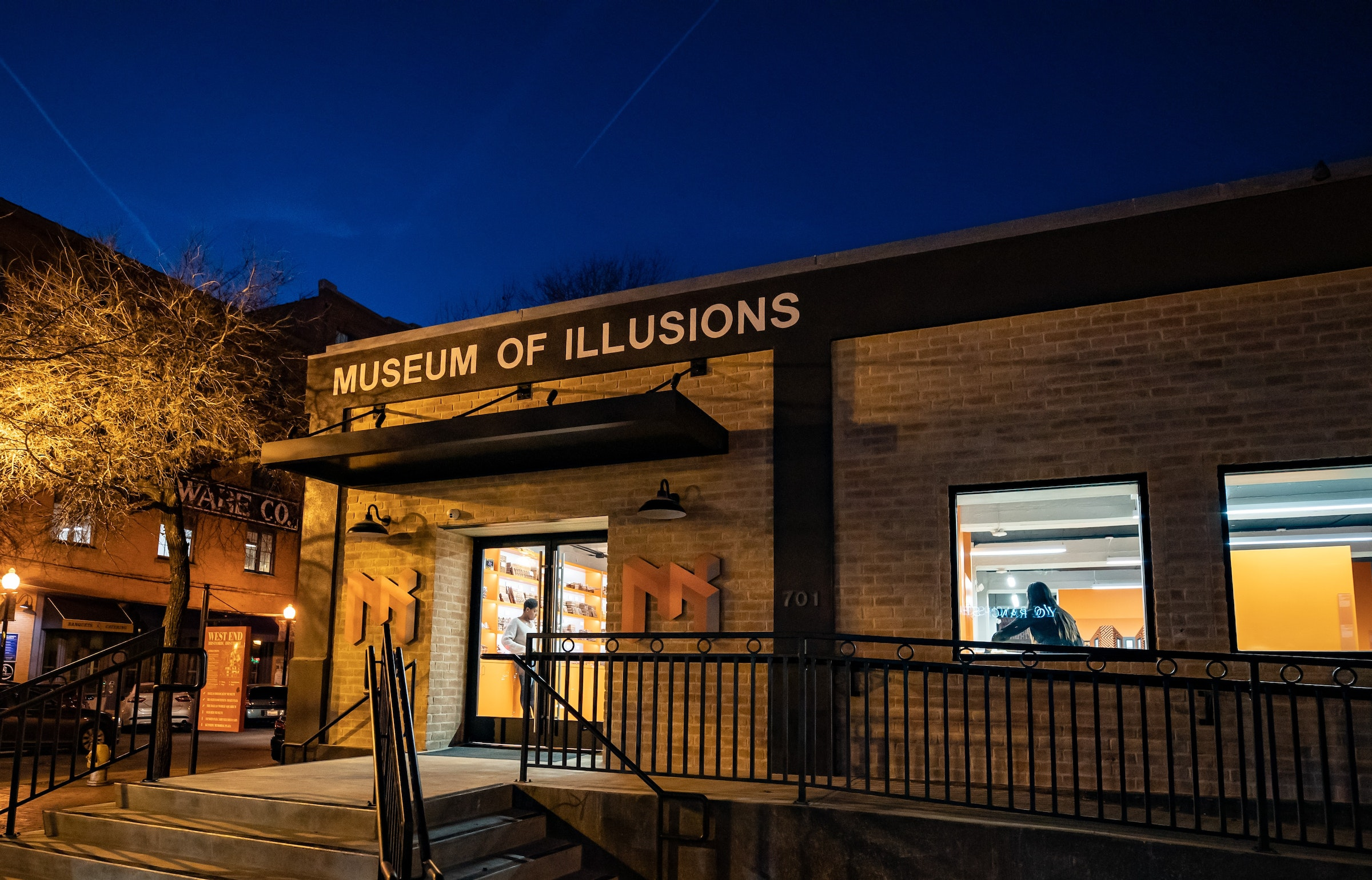 Dallas Museum of Illusions in Beyond Dallas