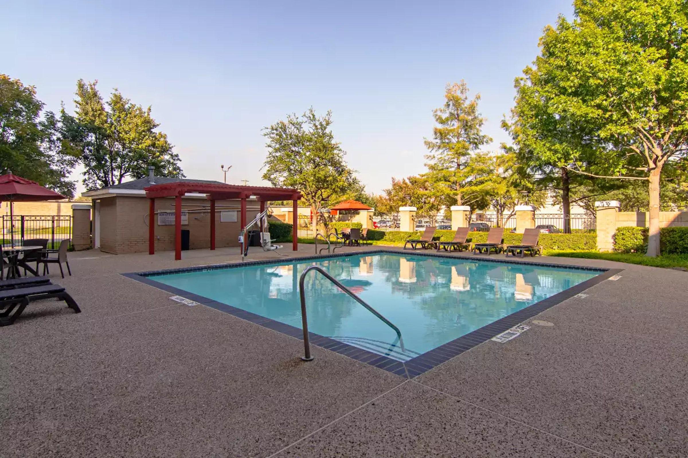 Comfort Suites NW Dallas Near Love Field in Beyond Dallas