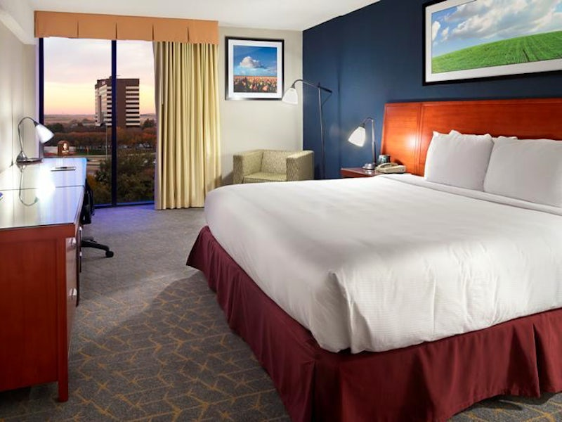 DoubleTree by Hilton DFW Airport North in Beyond Dallas