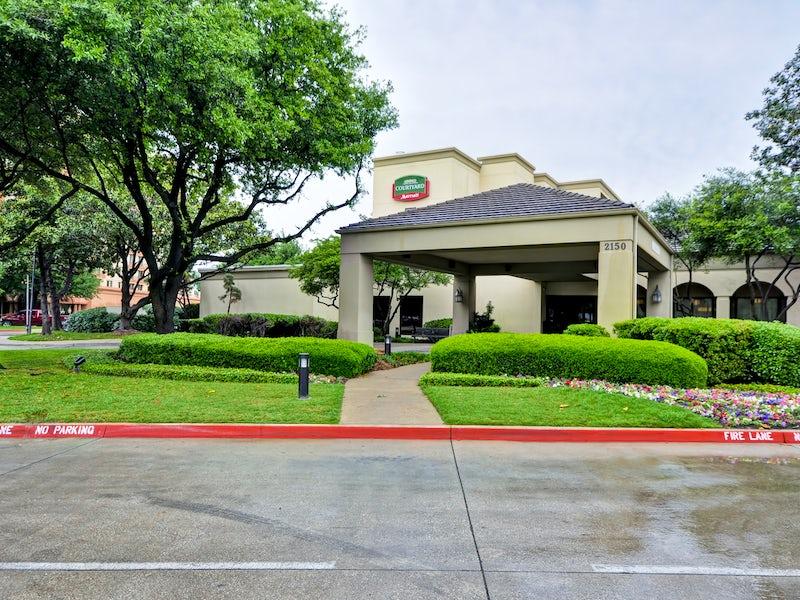 Far West Dallas Hotels: Where to Stay in Dallas