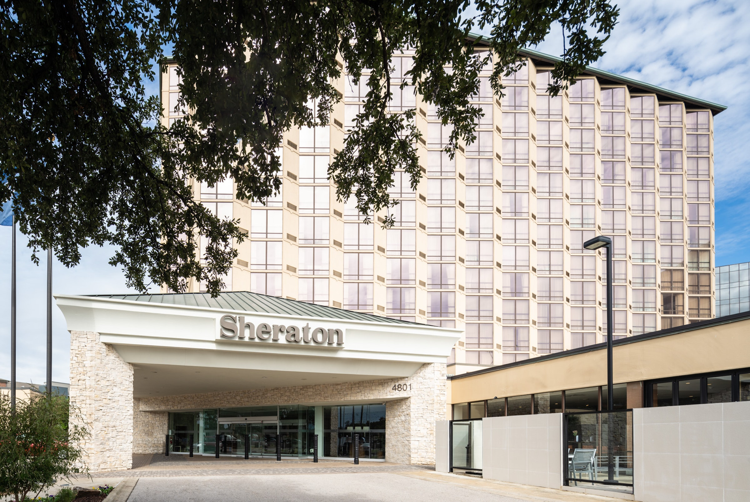 Sheraton Dallas Hotel by the Galleria in Beyond Dallas