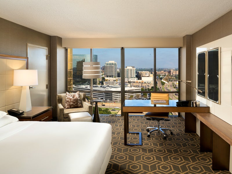 DoubleTree by Hilton Hotel Dallas Campbell Centre in Northeast Dallas (Proper)