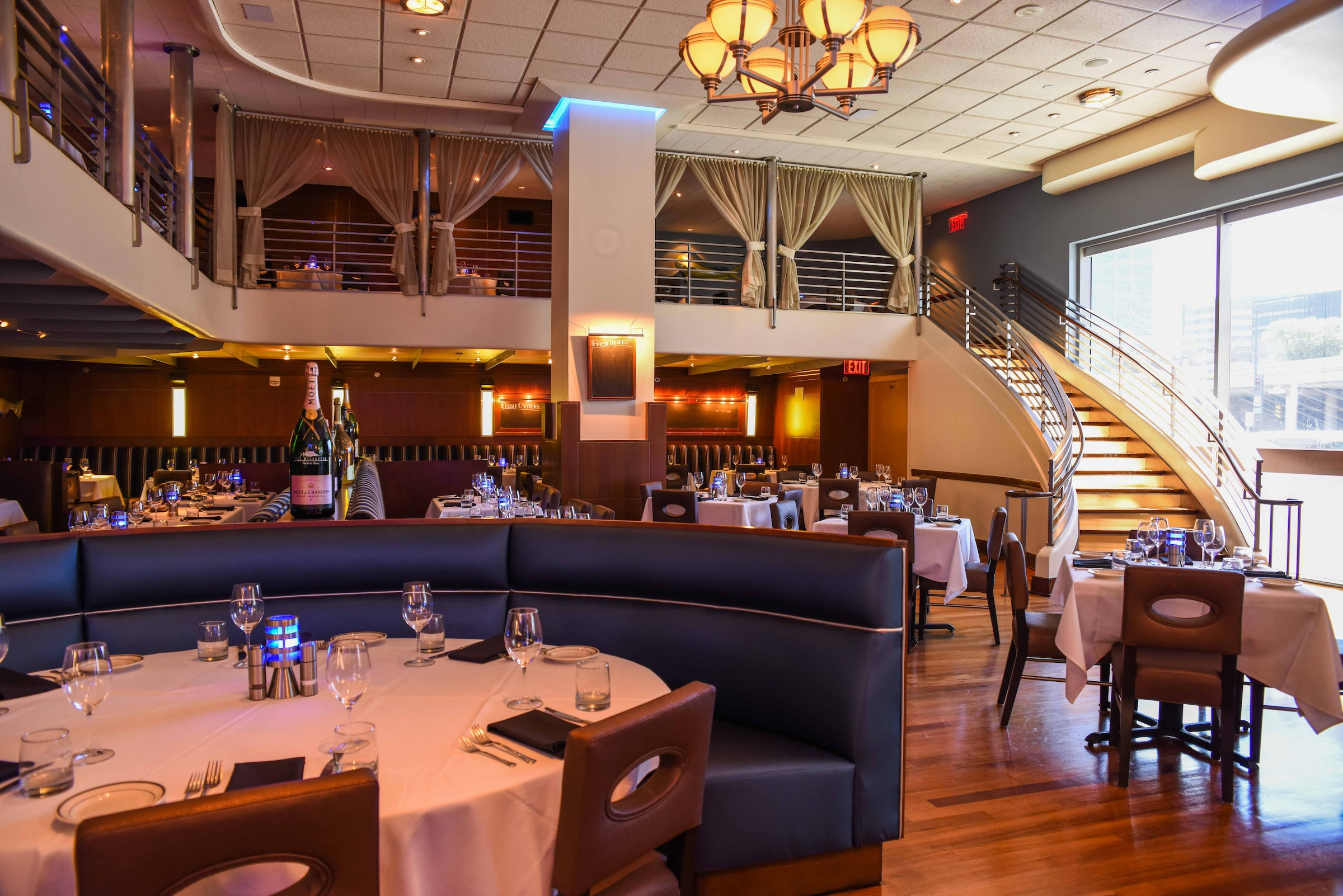 The Oceanaire Seafood Room in Beyond Dallas