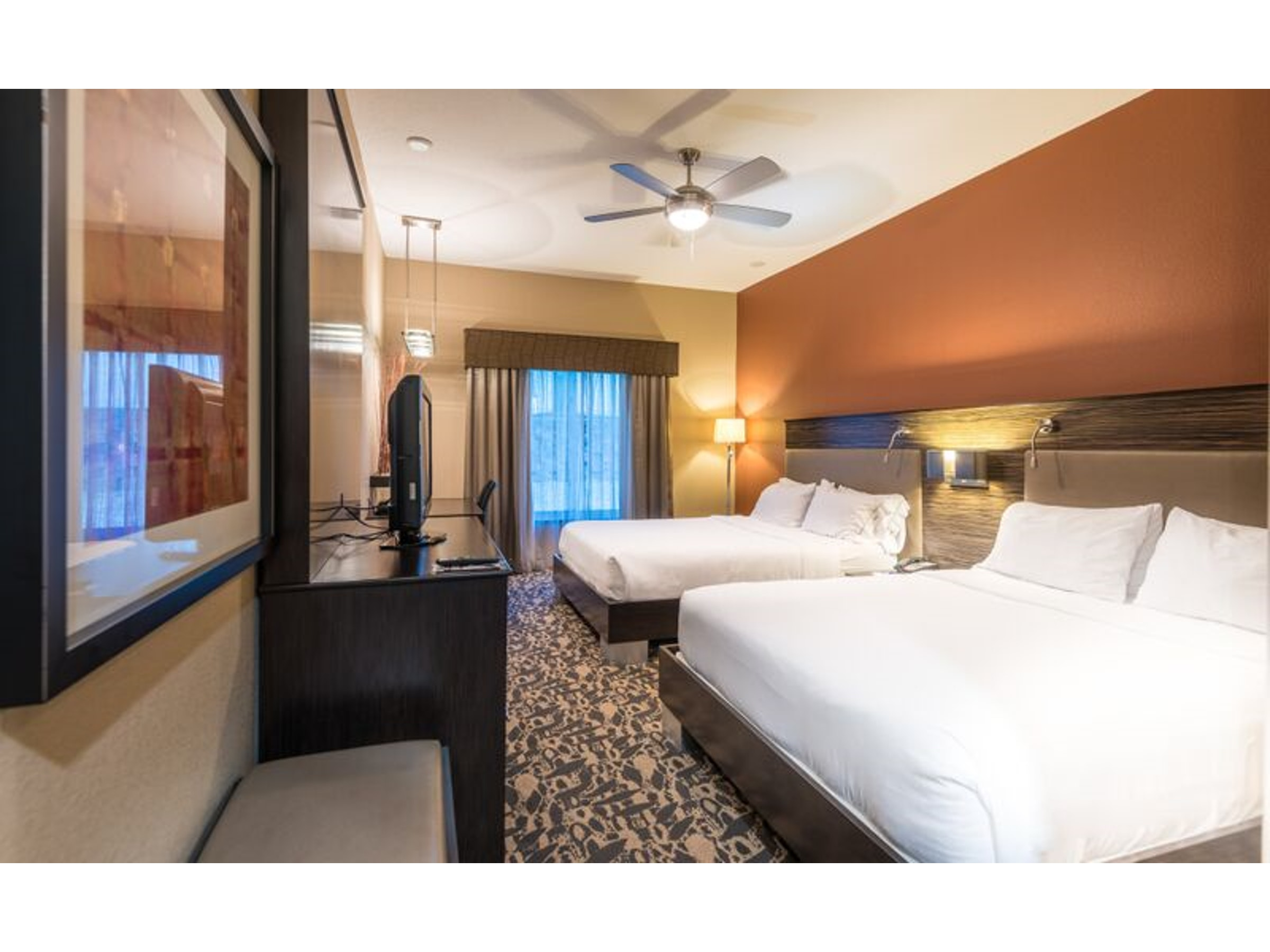 Holiday Inn Express & Suites North Dallas at Preston in Beyond Dallas