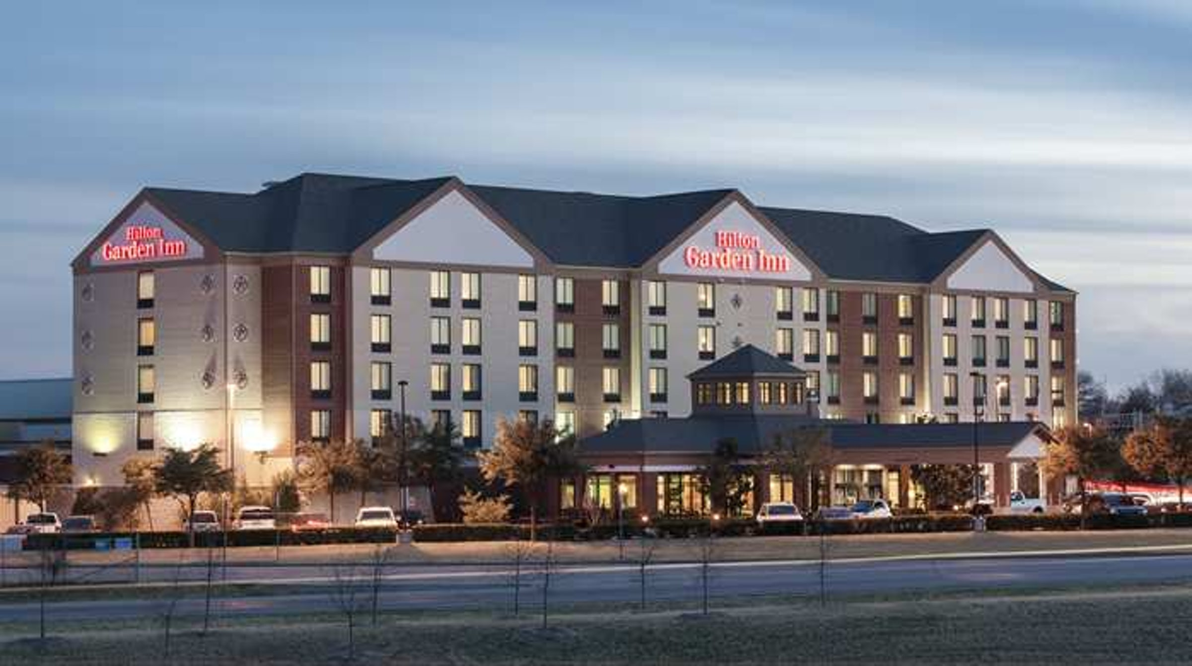 Hilton Garden Inn Dallas/Duncanville in Beyond Dallas