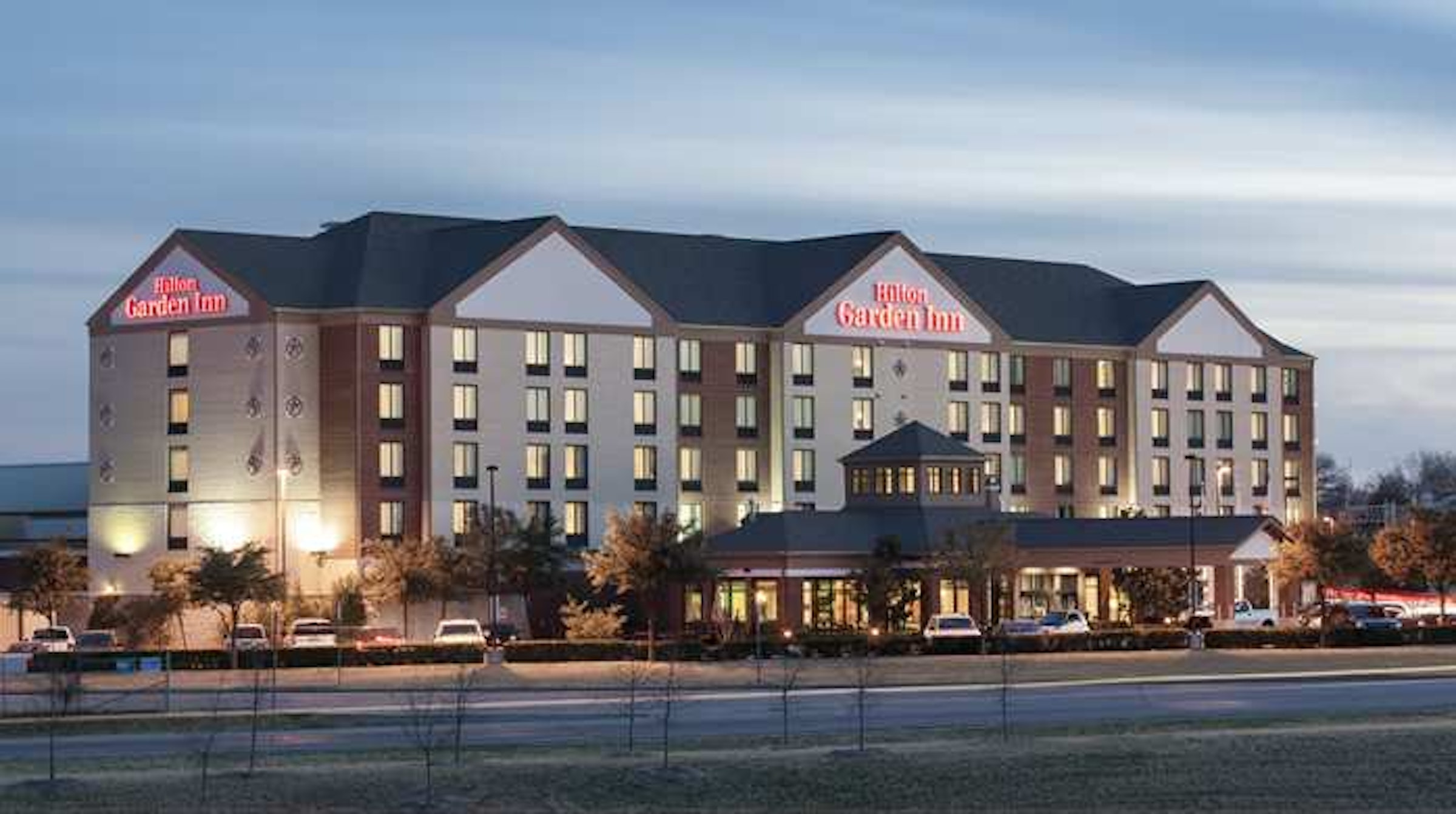 Hilton Garden Inn Dallas/Duncanville in Beyond Dallas