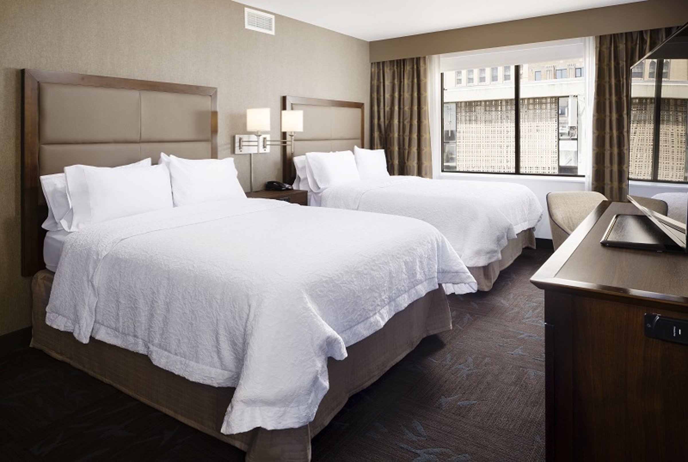 Hampton Inn & Suites Dallas Downtown in Beyond Dallas