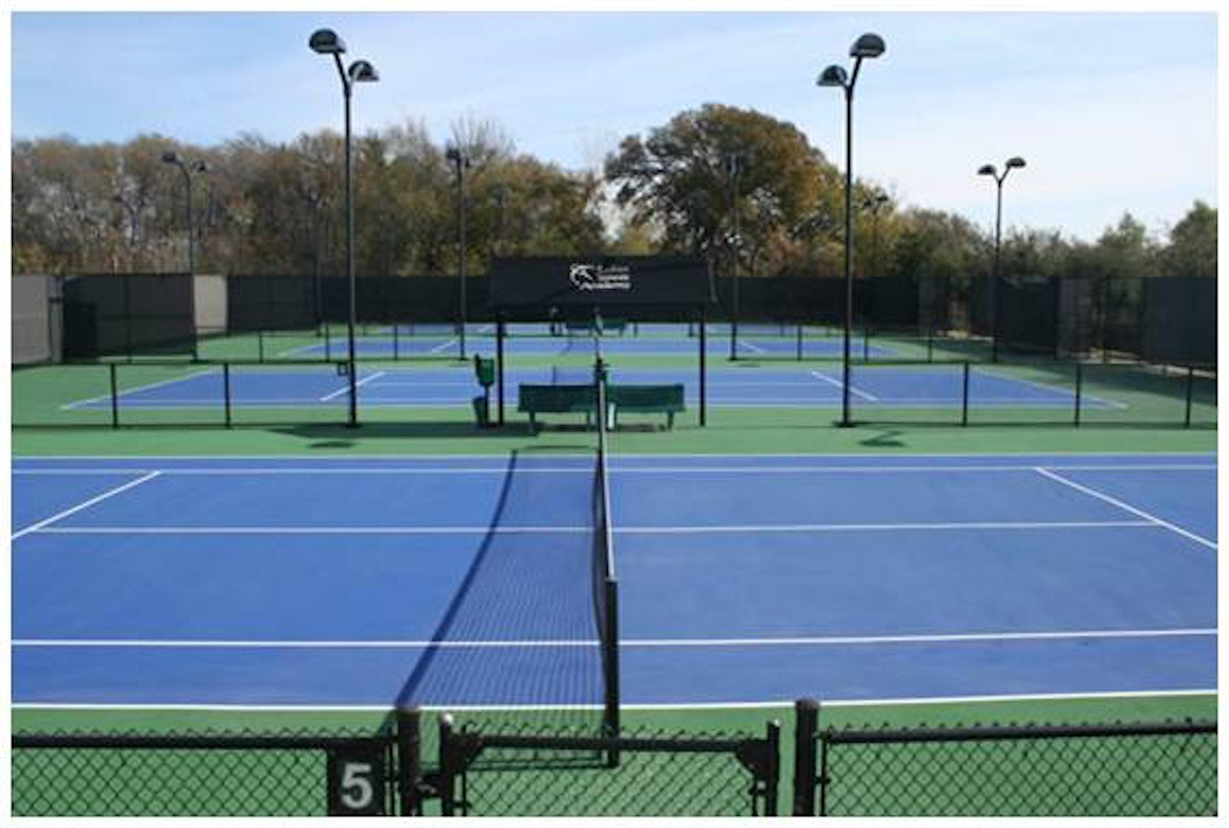Lakes Tennis Academy