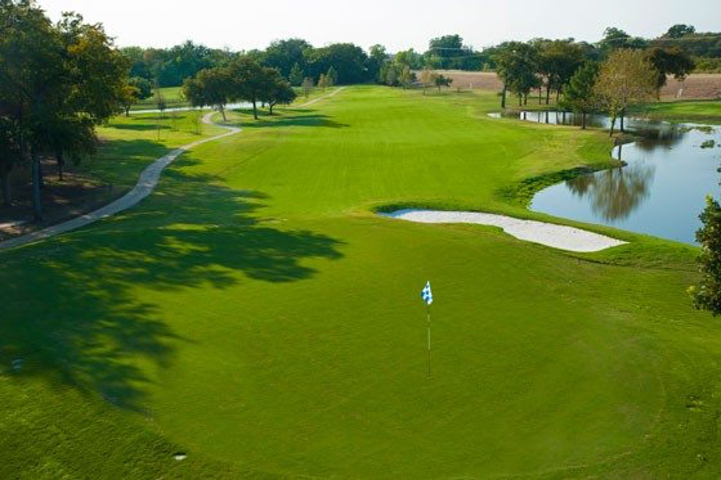 Luna Vista Golf Course in Beyond Dallas