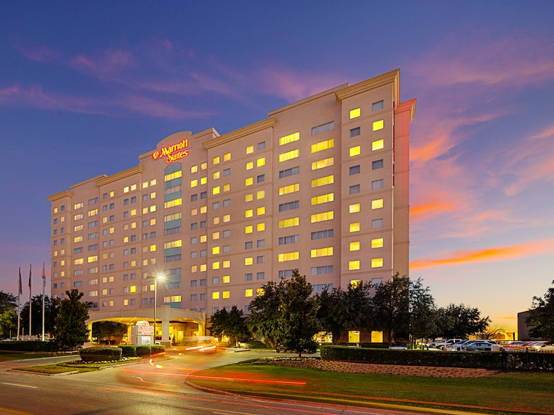 Dallas Marriott Suites Medical/Market Center in Far West Dallas