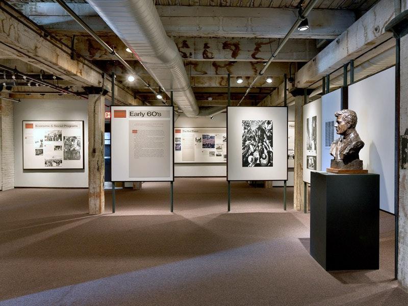 Sixth Floor Museum At Dealey Plaza Dallas Tx 75202