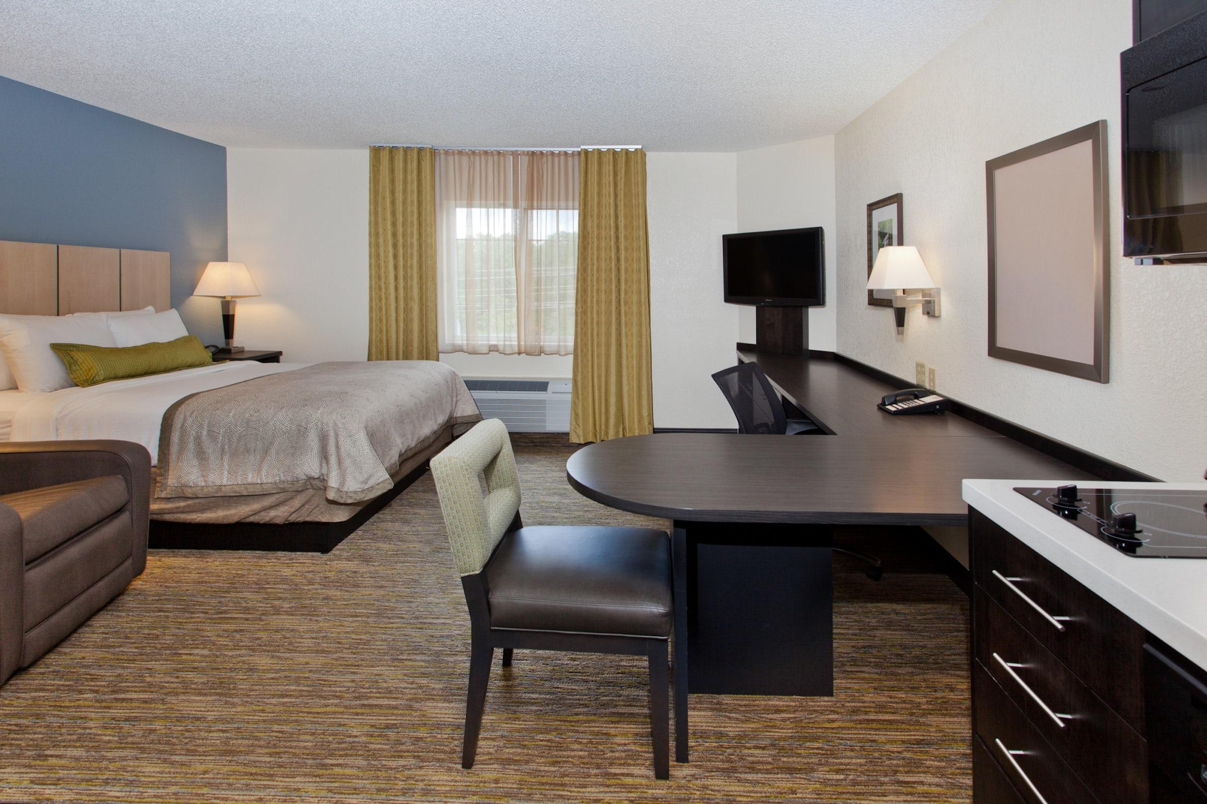 Sonesta Simply Suites Dallas Galleria in Beyond Dallas