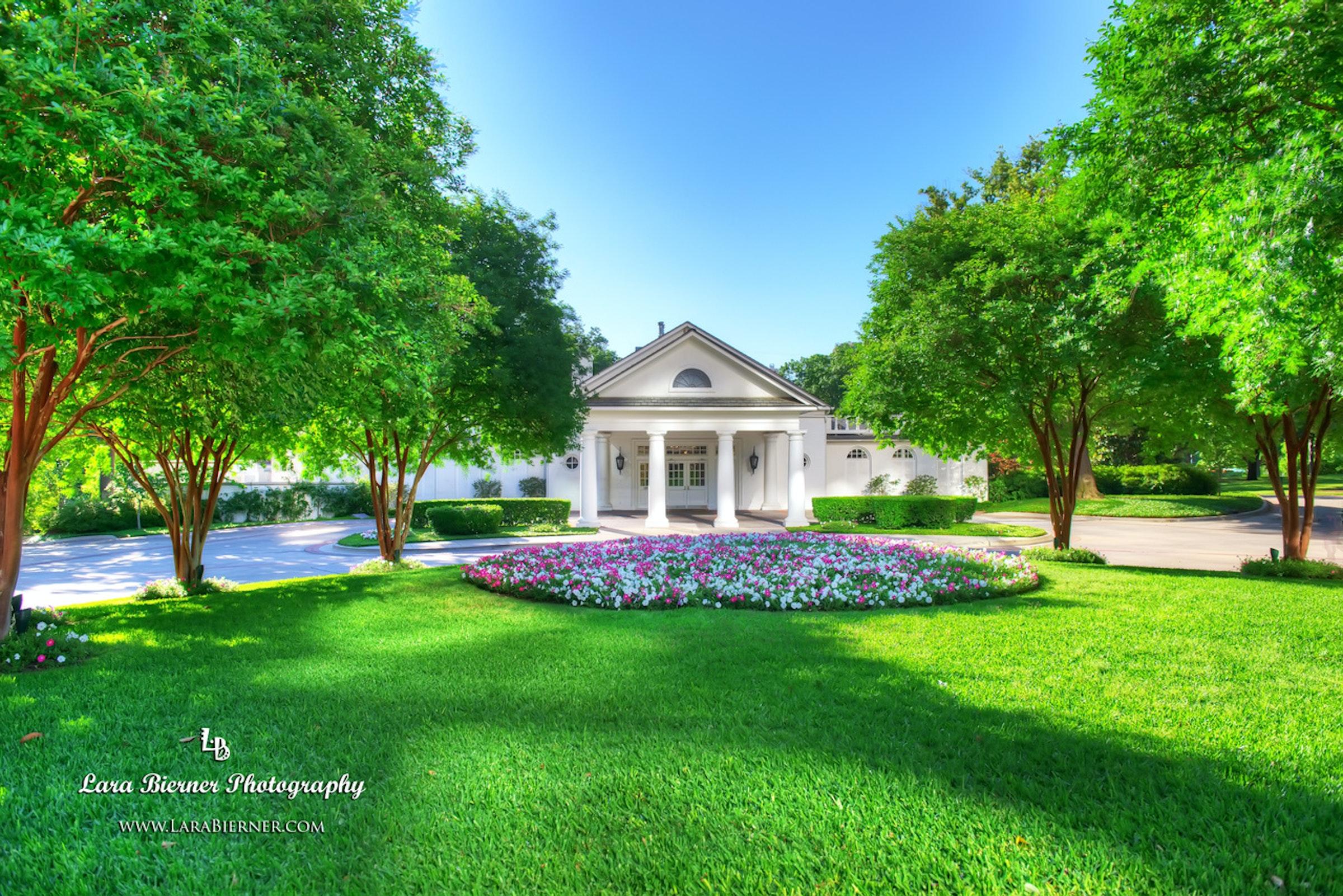 Arlington Hall at Turtle Creek Park in Beyond Dallas