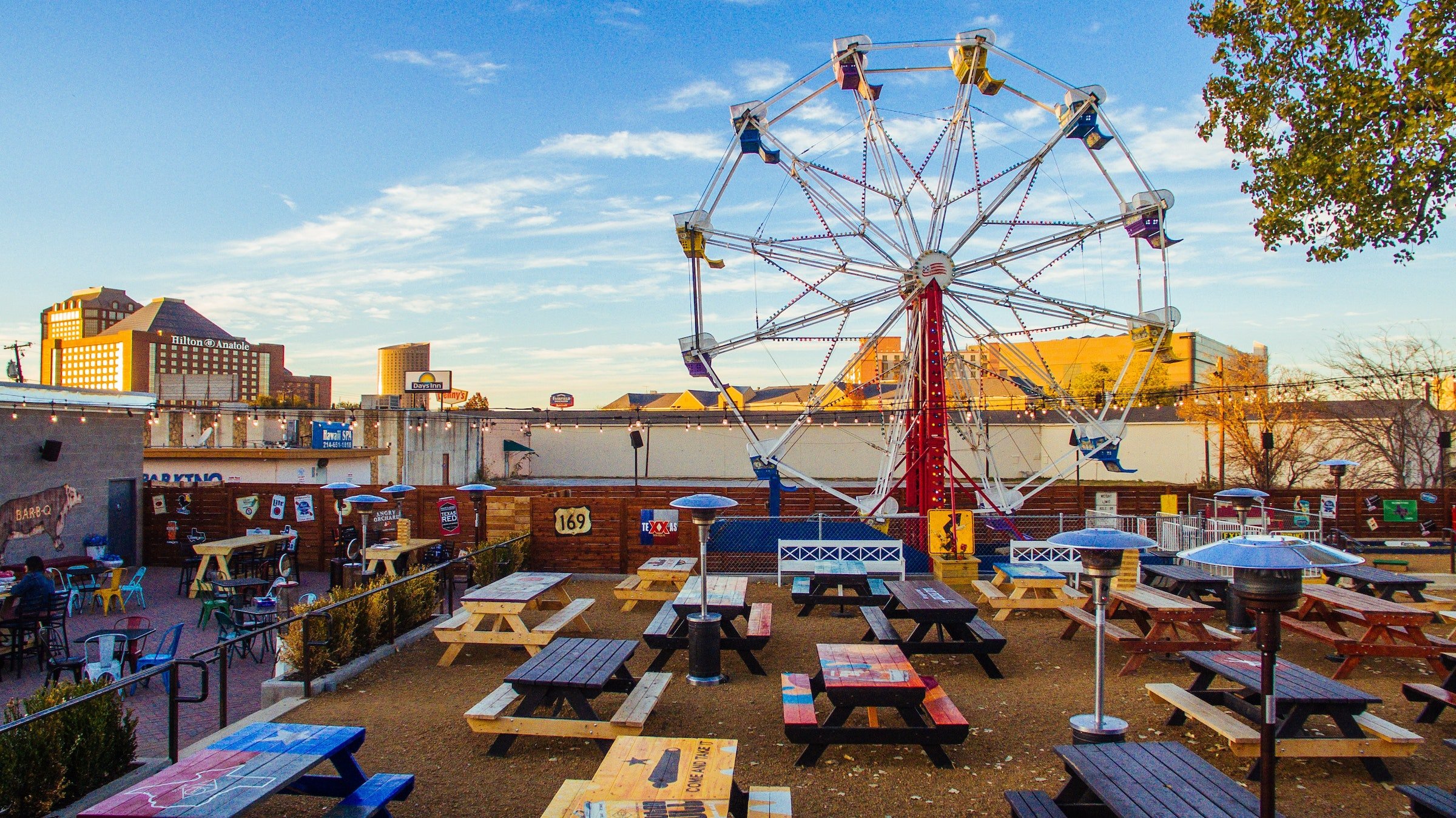 Ferris Wheelers Backyard & BBQ in Beyond Dallas