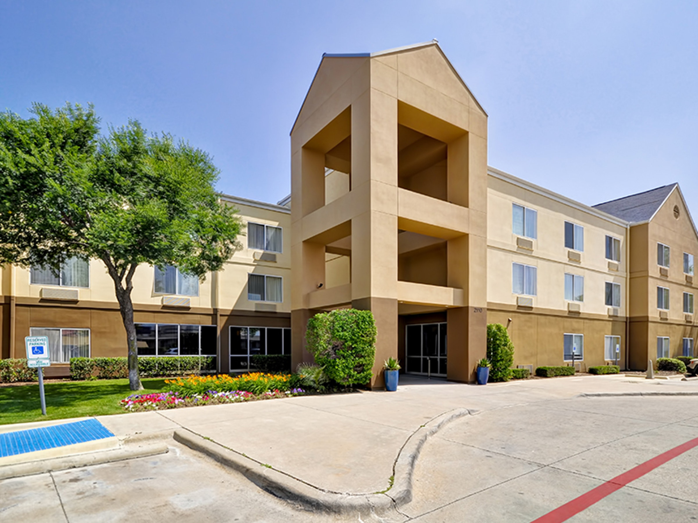Fairfield Inn & Suites Dallas Medical Market Center in Beyond Dallas