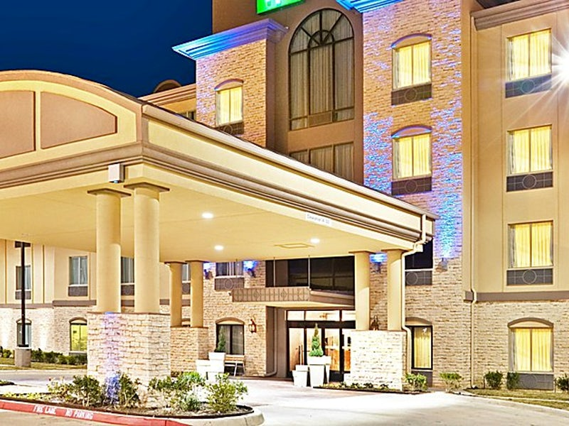 Holiday Inn Express & Suites Dallas East Fair Park in Beyond Dallas