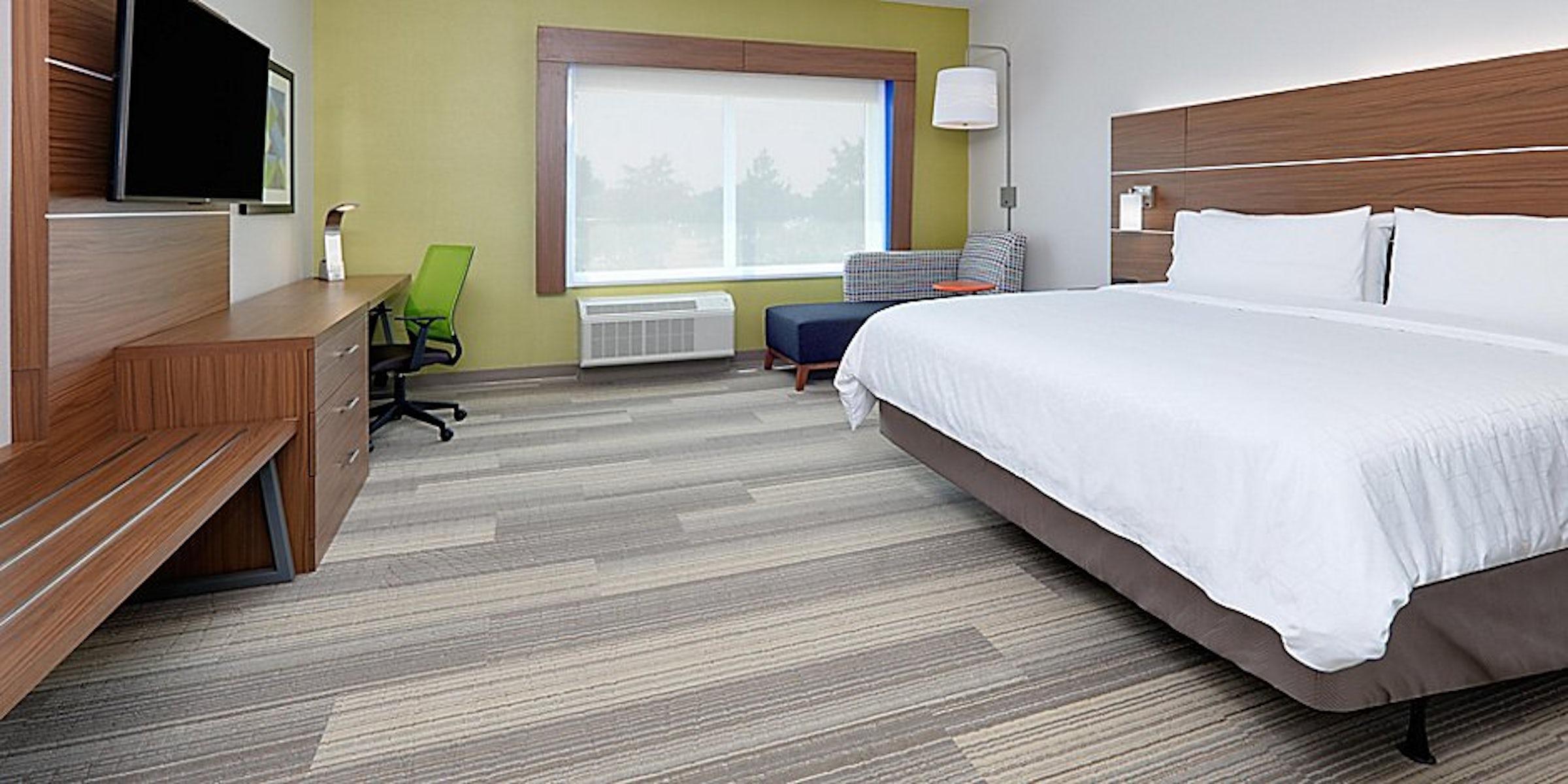 Holiday Inn Express & Suites Dallas Northwest Love Field in Beyond Dallas
