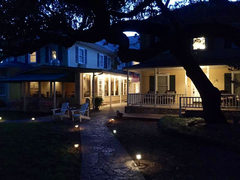 Inn On The River in Beyond Dallas