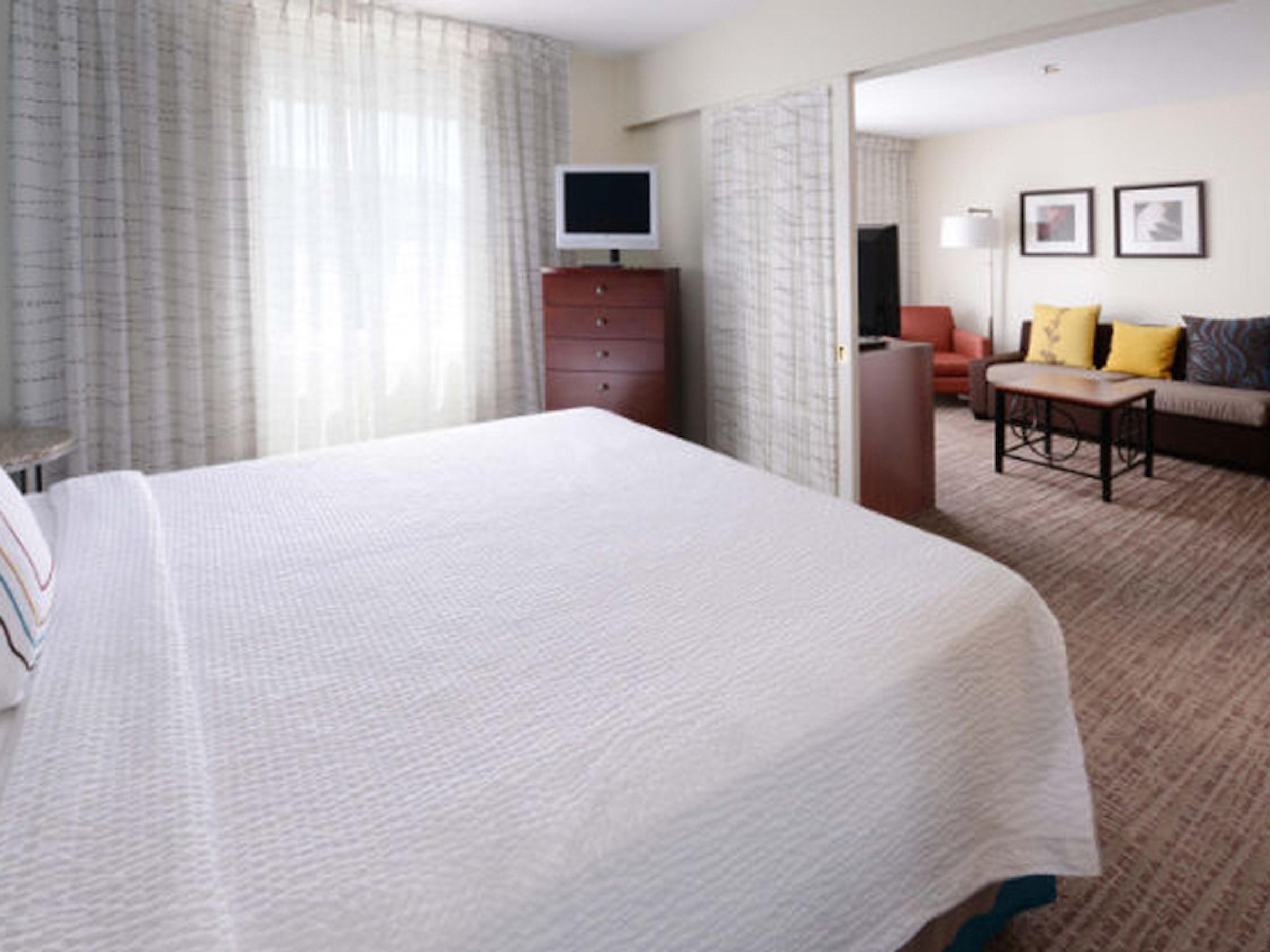 Sonesta ES Suites Dallas Market Center in Beyond Dallas