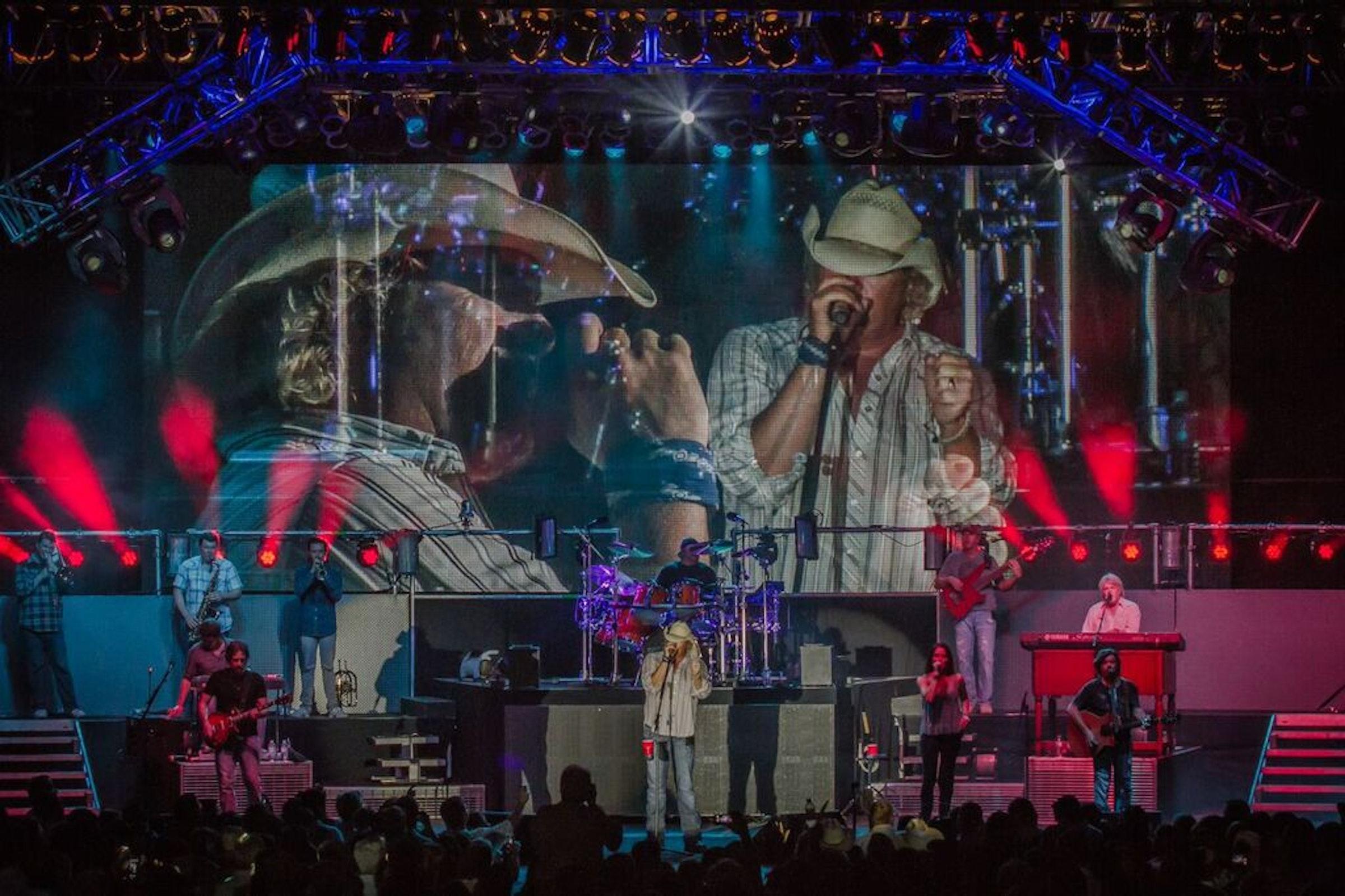 Encore Live in Beyond Dallas